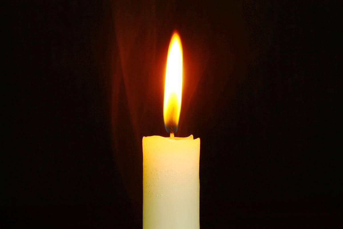 bright-burn-burnt-candle